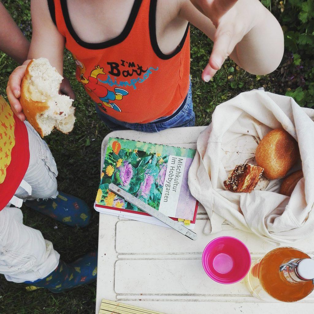 Clantreffen Picknick im Garten
