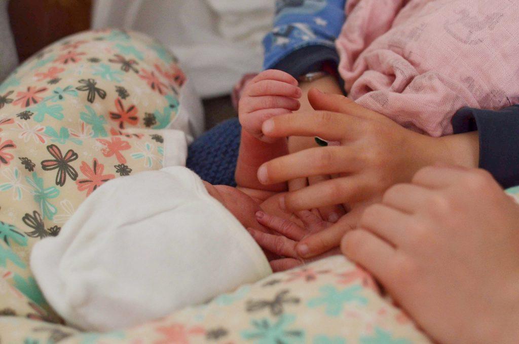 Neugeboren Hausgeburt Wassergeburt